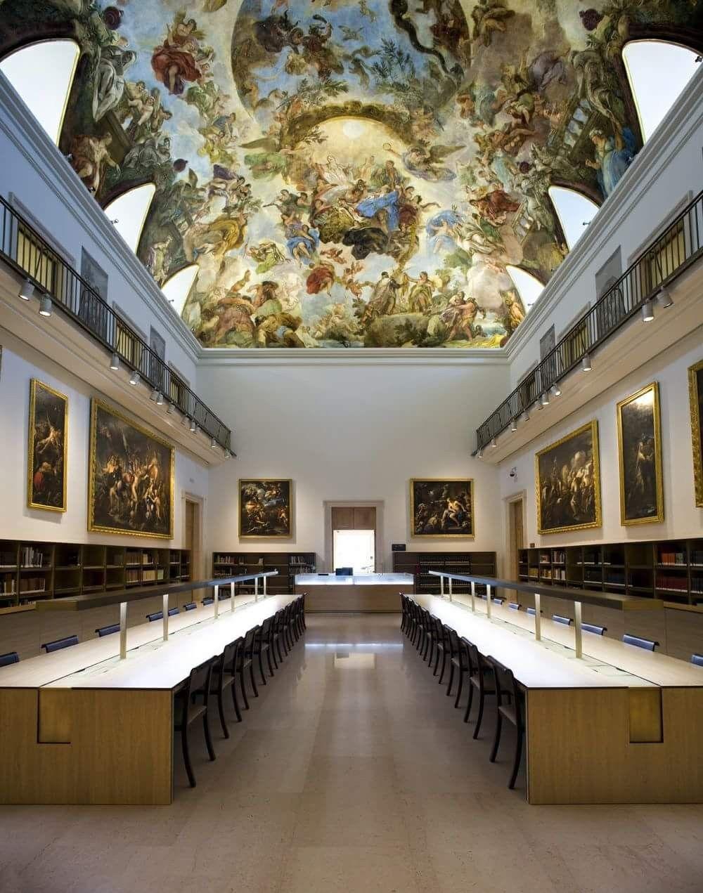 Library of Casón del Buen Retiro